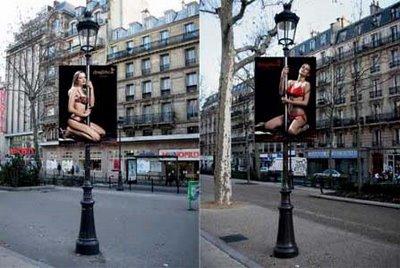 Стриптиз шоу на улицах Парижа 2